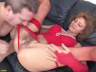 85 time senior grannie very first rectal bang-out